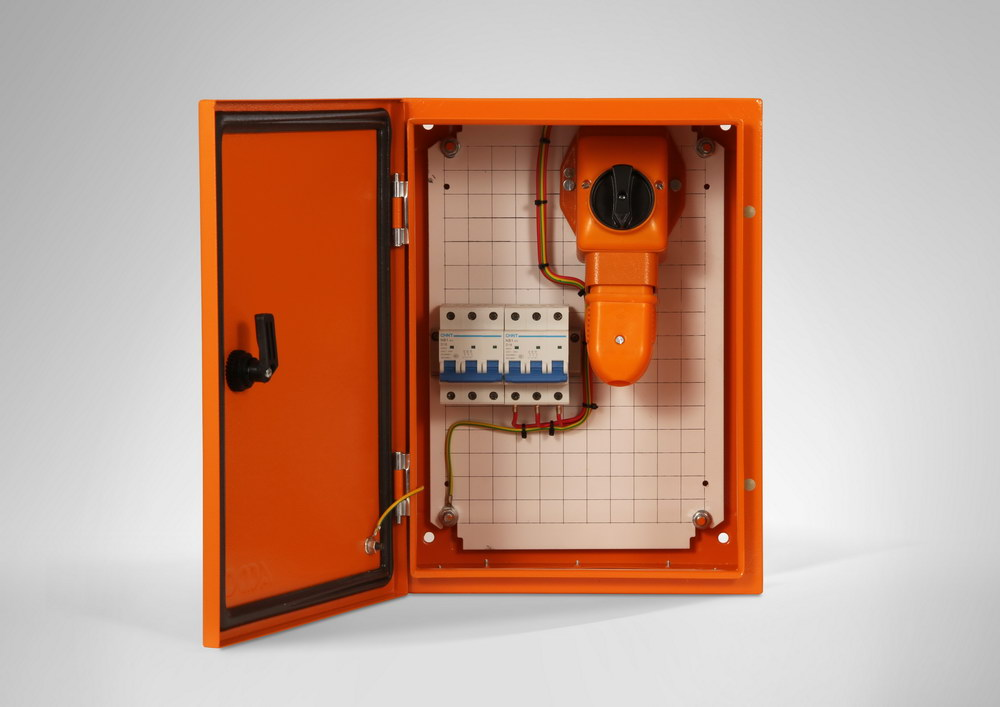 Starter Power Post 1 x 16 A C/B & Plug